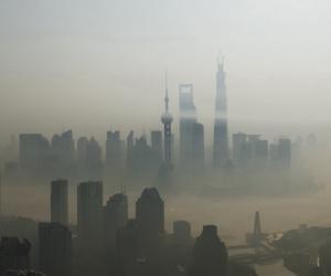"PM2.5肆虐引爆""雾霾经济"""