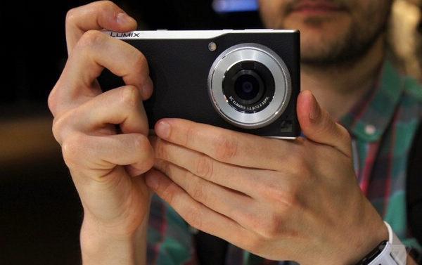 神级拍照手机松下CM1发布 配1寸影像传感器