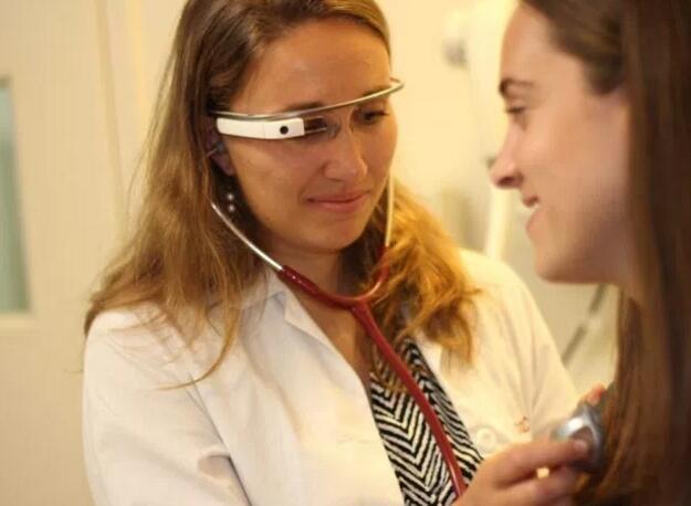 谷歌眼镜未走远 目标客户由科技爱好者转换为医生