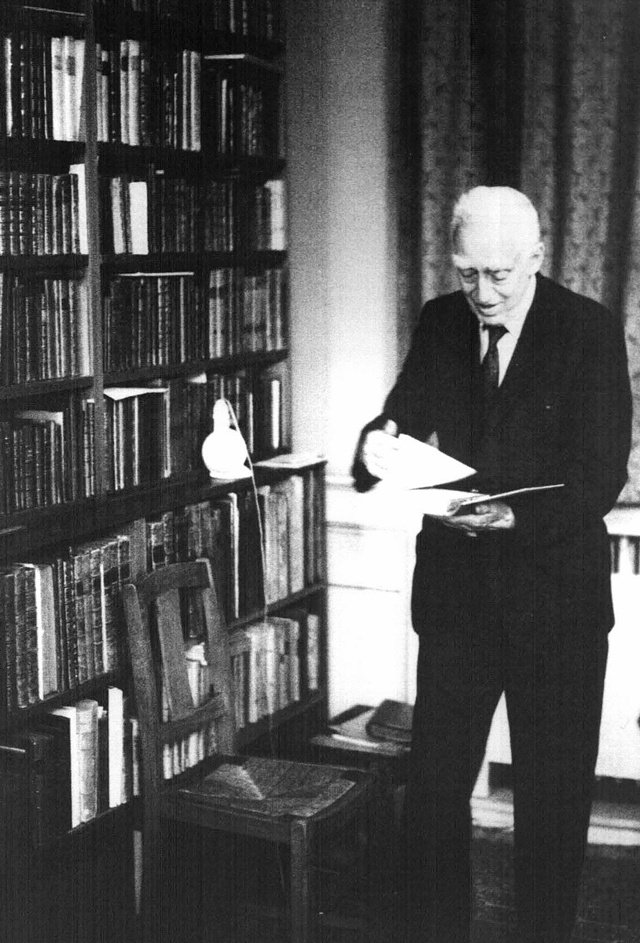 剑桥知名经济学者Piero Sraffa (1898-1983),是凯恩斯收藏经济学古典文献的同好