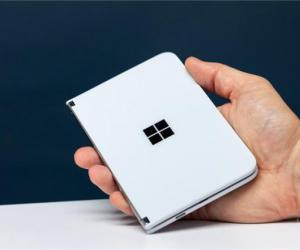 微软发布的Surface Duo双屏手机